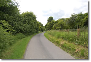 Wolds Way uses tarmac road to Goodmanham